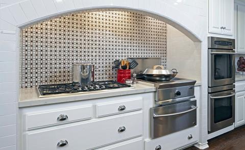 Transitional style kitchen backsplash tile white