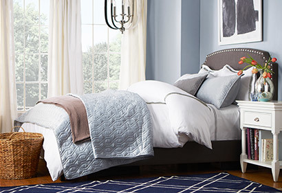 Joss-&-Main-layered-bedding-for-guest-room