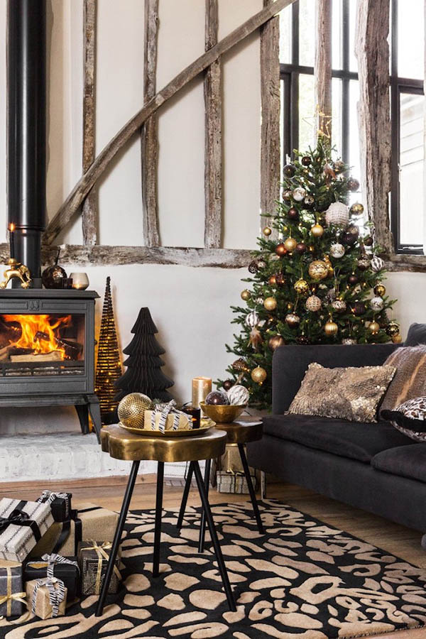 Amara wilderness styled holiday living room