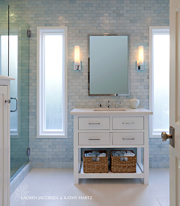 Bathroom interior in blue by Lauren Jacobsen Design