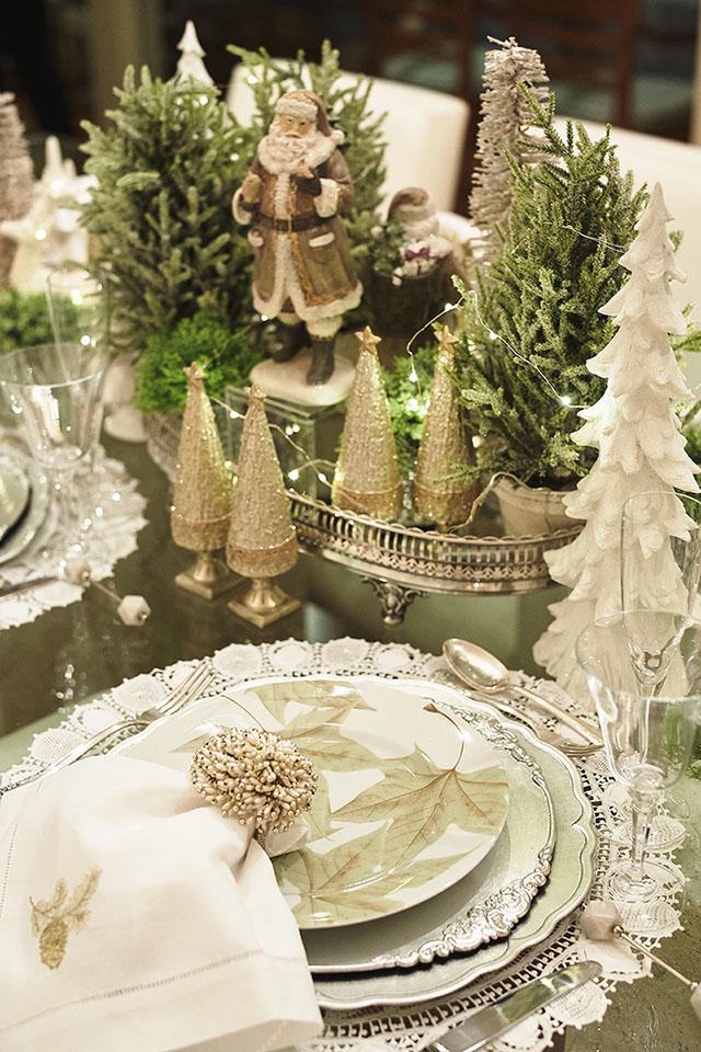 AdobeStock-Rodolfo-holiday-table-Father Christmas