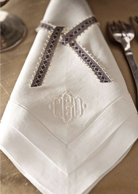 Juliska-metallic-table-setting-holiday-Capucine-Gooding-holiday-napkins-entertaining