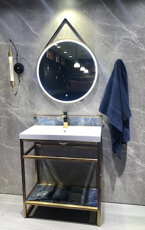 Fleurco-Fog-free-bathroom-mirror-KBIS