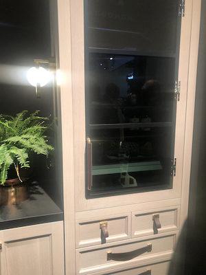 Monogram-pull-refrigerator-exterior-KBIS