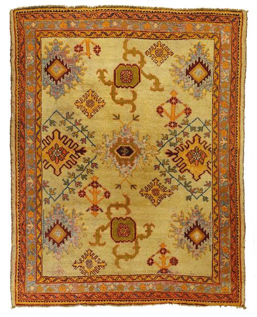 Antique Oushak rug specs